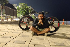 midnight-cycling-at-haji-ali